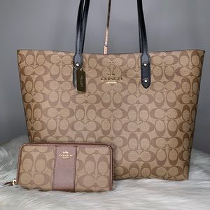 Coach Signature Purse Tote and wallet set